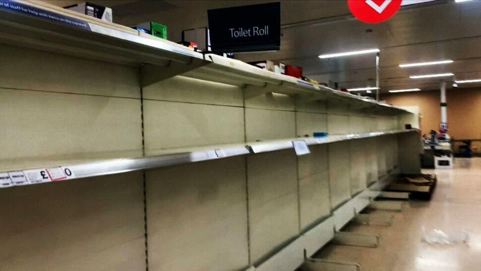 Brak pracowników przekłada się na puste półki w sklepach. Nie tak miał wyglądać brexit