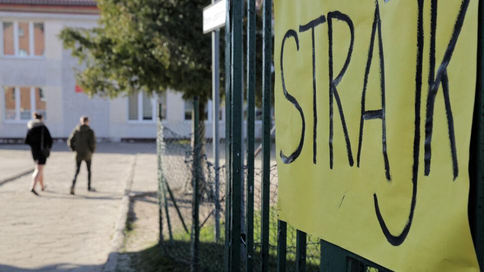 """""""Rząd powinien podjąć decyzję: siadamy z nauczycielami do rozmów"""""""