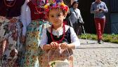 Wyjątkowy zwyczaj, w Polsce ważny i wciąż kultywowany. Wierni poszli poświęcić pokarmy