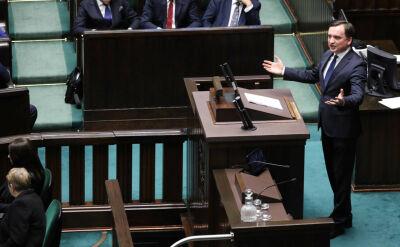 """Na sali zabrakło posłów opozycji, którzy mogliby zablokować """"ustawę represyjną"""""""
