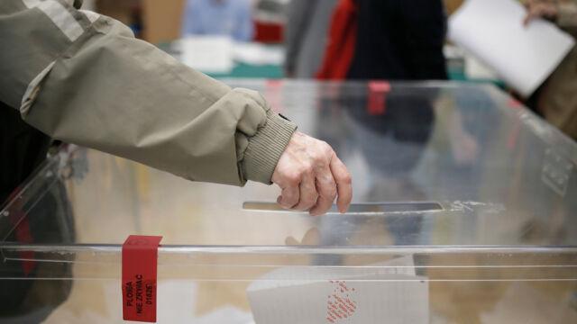 13.10.2019 | Wysoka frekwencja i kolejki do lokali. Wybory mają zakończyć się zgodnie z planem