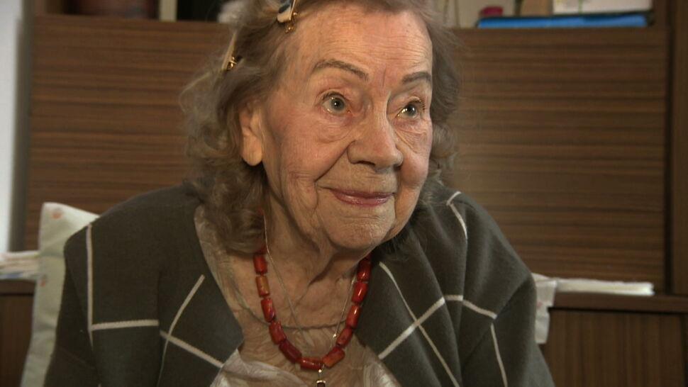 Ma 95-lat, robi skarpety dla potrzebujących. Pani Stefania prosi tylko o wełnę