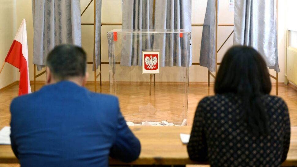 Opozycja apeluje o przełożenie wyborów prezydenckich. PiS pozostaje niewzruszony