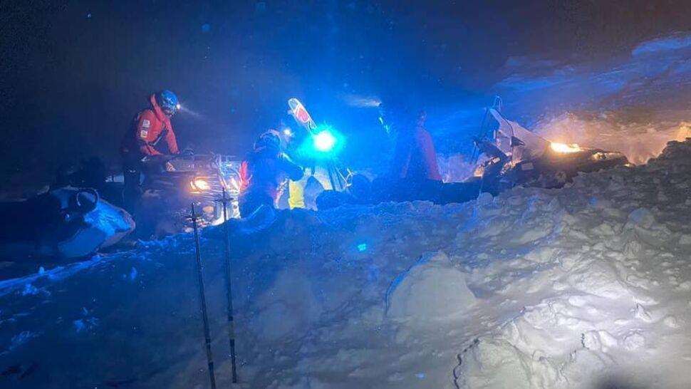 W krótkich spodenkach wybrali się na Babią Górę. 20 ratowników GOPR ruszyło na pomoc