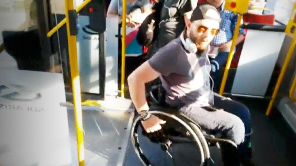 """Kierowca nie wpuścił niepełnosprawnego do autobusu. """"Złamał wszystkie możliwe zasady"""""""