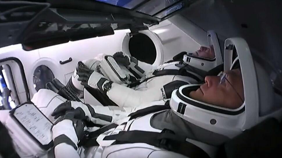 Astronauci z Dragona wracają na Ziemię