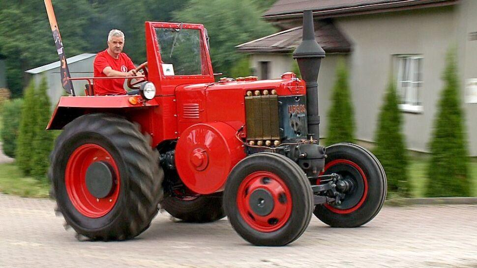 Zabytkowym traktorem przejedzie 700 kilometrów z Podbeskidzia nad Bałtyk