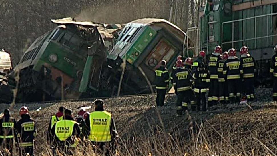 """""""Brzechwa"""" zderzył się z """"Janem Matejko"""", zginęło 16 osób. 7. rocznica katastrofy pod Szczekocinami"""