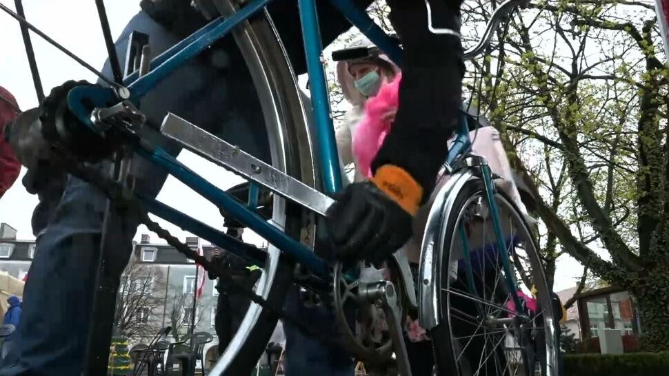 """Akcja """"Podaruj niepotrzebny rower"""" zawitała do Wejherowa i rusza dalej"""