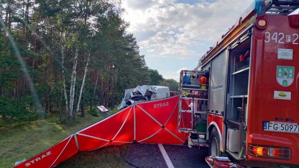 Tragiczny wypadek w okolicach Zielonej Góry. Zginęła jedna osoba, kilkadziesiąt trafiło do szpitali