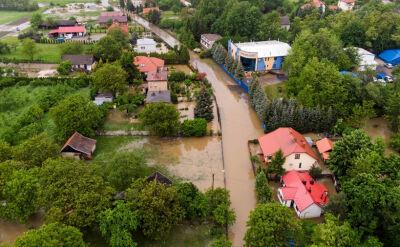 Zalane drogi i domy. Południe Polski mocno ucierpiało