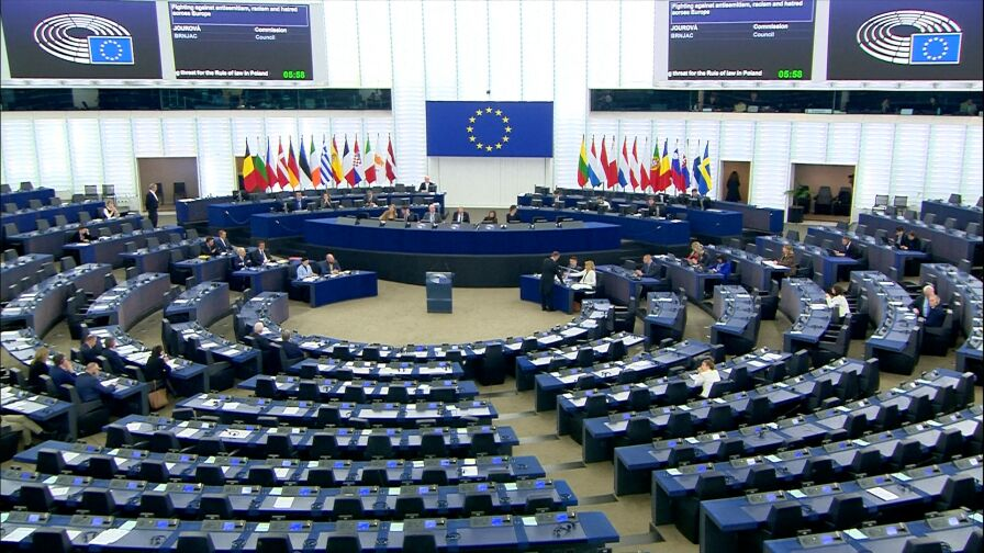 Szydło kontra Jourova w PE