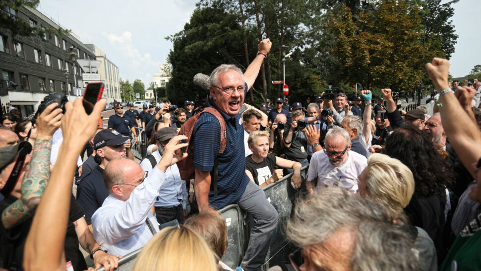 Protesty przed Sejmem przeciw nowelizacji ustawy o Sądzie Najwyższym