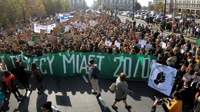 Young people fight for climate. Protests all over the world, including Poland