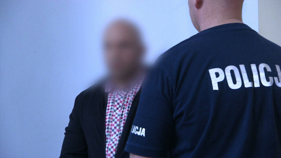 """""""Łowca nastolatek"""" oskarżony o 65 przestępstw. Ruszył proces"""