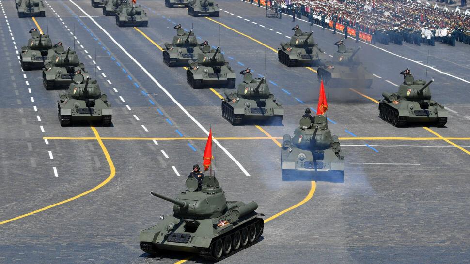 Wielka defilada w Moskwie. Tysiące żołnierzy na Placu Czerwonym