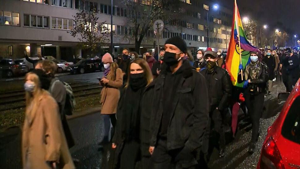 """""""Jest w nas gniew, jest w nas wściekłość"""". Protesty po wyroku Trybunału Konstytucyjnego"""