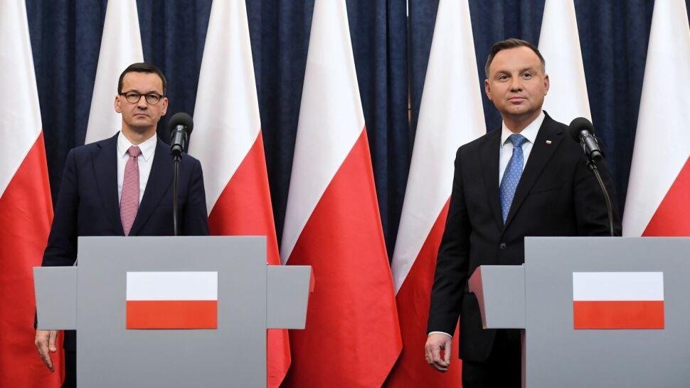 """Andrzej Duda podpisał ustawę o finansowaniu mediów publicznych. """"Nie mamy prezydenta samodzielnego"""""""