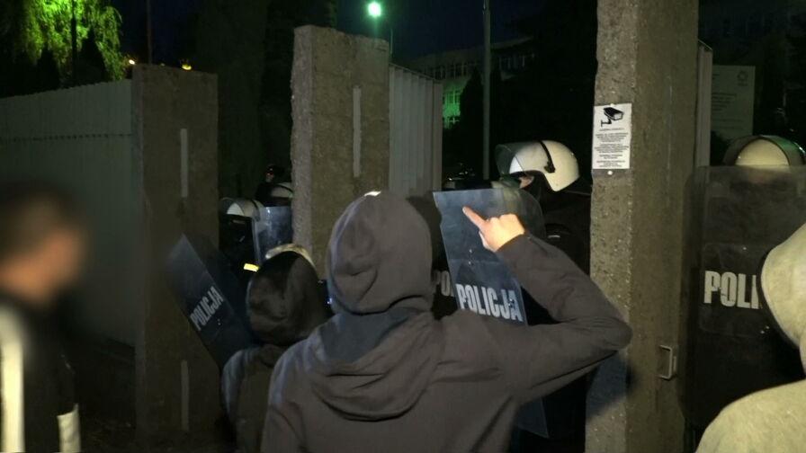 Zamieszki w Koninie po zastrzeleniu 21-latka przez policję. 7 osób zatrzymanych