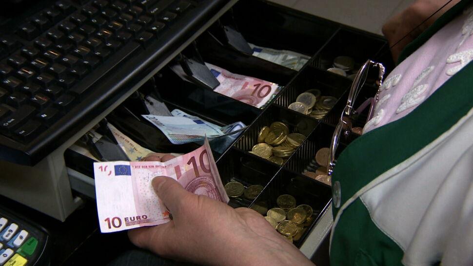 W Unii, ale bez euro. Co z przyjęciem wspólnej waluty?