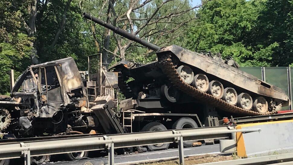 Pożar czołgów na autostradzie A6