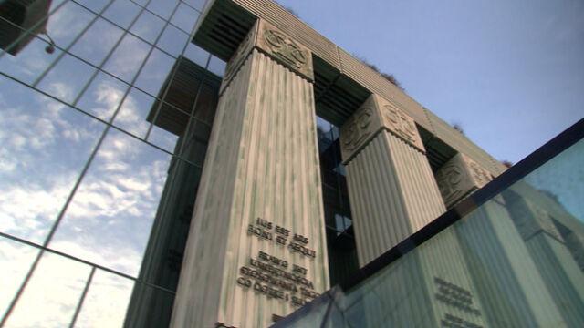 Sąd Najwyższy zawiesza stosowanie przepisów o przechodzeniu sędziów w stan spoczynku
