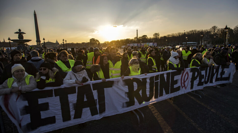 """""""Rządzi nami szkodnik"""". Francuzi protestują przeciw podwyżce akcyzy"""