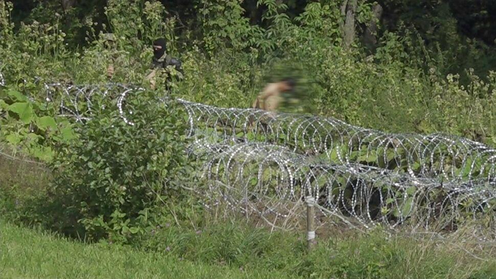 Na granicy z Białorusią ma powstać 2,5-metrowy płot. Mariusz Błaszczak przedstawił szczegóły