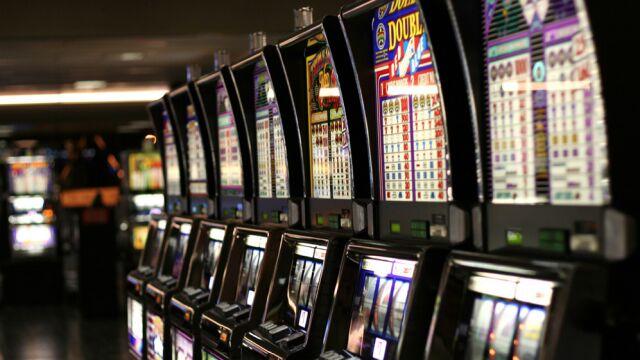 Prokuratura analizuje umorzenie śledztwa związanego z aferą hazardową