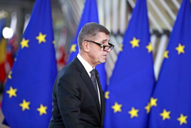 Spotkanie w domu i jednostronny komunikat. Premier Czech twierdzi, że chiński ambasador skłamał