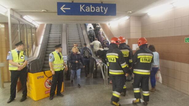 Awaria w metrze (zdjęcie z października 2018 roku) Lech Marcinczak, tvnwarszawa.pl