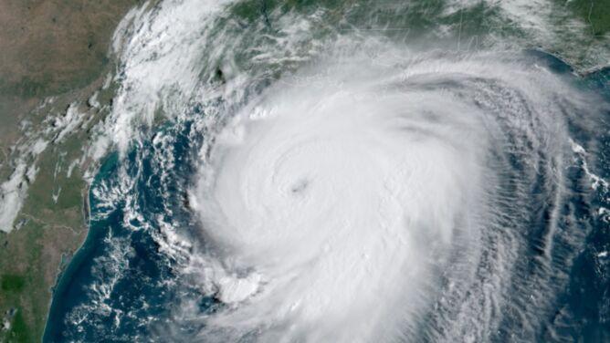 """Do USA zmierza potężny huragan Laura. <br />""""Zostało niewiele czasu na ochronę życia i mienia"""""""