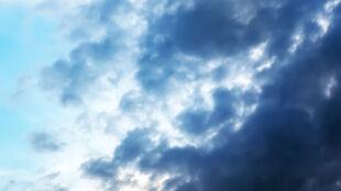 Prognoza pogody na dziś: miejscami upał. Lokalnie popada i zagrzmi