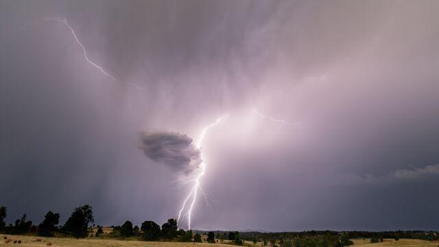 Północ Polski zagrożona burzami i silnym wiatrem