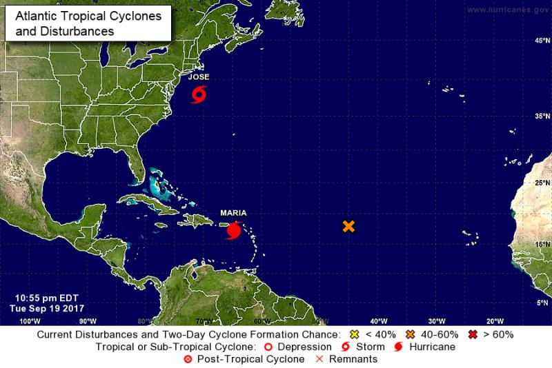 Huragany, które znajdują się na oceanie (NHC/NOAA)