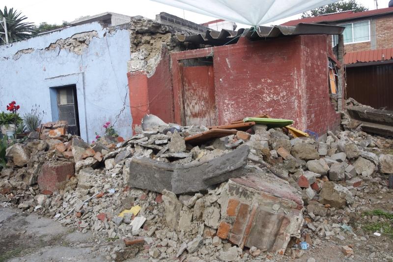 Tysiące ludzi zostało bez dachu nad głową (PAP/EPA/SASHENKA GUTIERREZ)