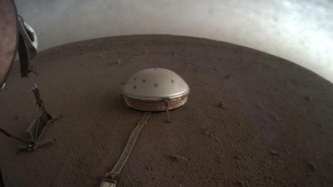 """Posłuchaj """"trzęsienia ziemi"""" na Marsie"""