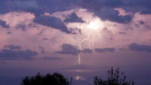 Deszczowo w wielu regionach, możliwe burze z gradem