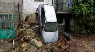 Ofiara śmiertelna, zalane drogi, zamknięte szkoły. Włochy po silnych ulewach
