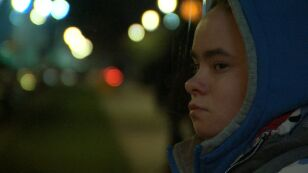 Młodzi bezdomni. Niewidzialni dla społeczeństwa i systemu